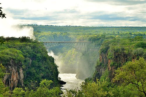 African Travel Packages - Victoria Falls Hotel