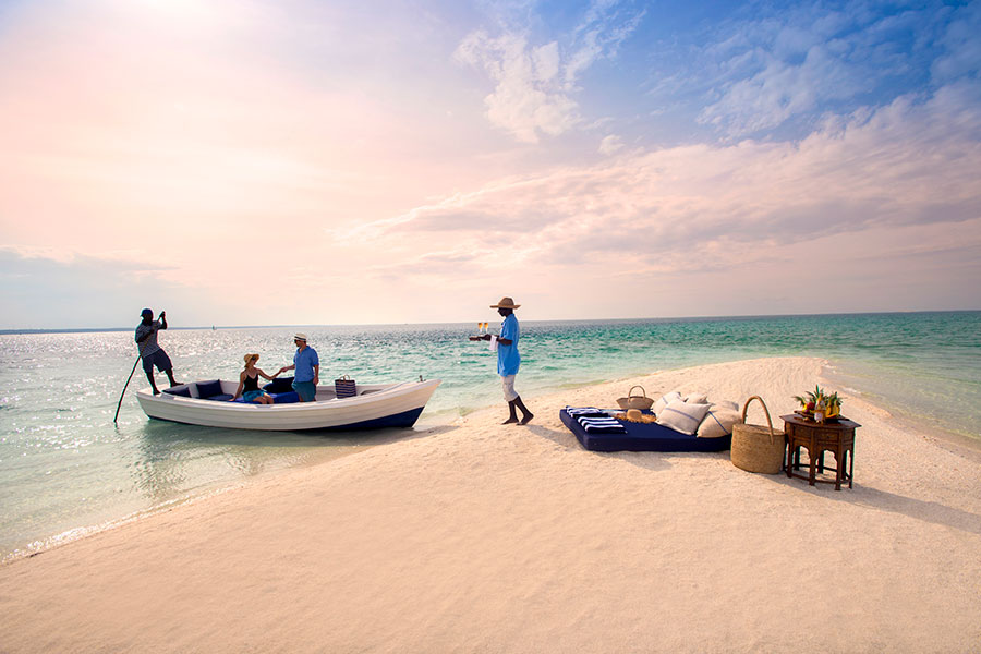 Romantic Beach Picnic in Mozambique - African Luxury Beach Resorts