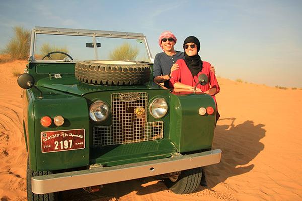 Guide to Dubai - Desert safari in a vintage Land Rover
