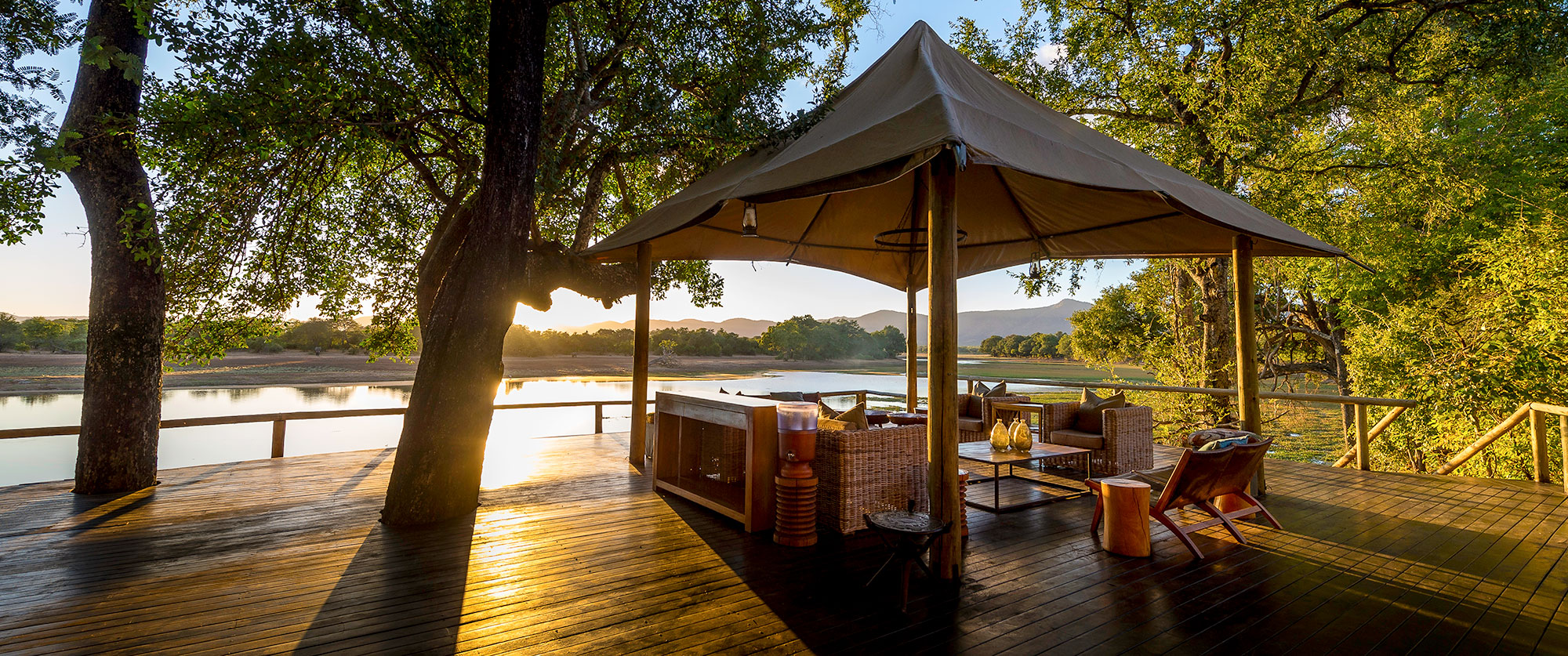 Safari in Africa - Chindeni Bushcamp, Zambia - Ultimate Wildlife Safari, Walking Safaris