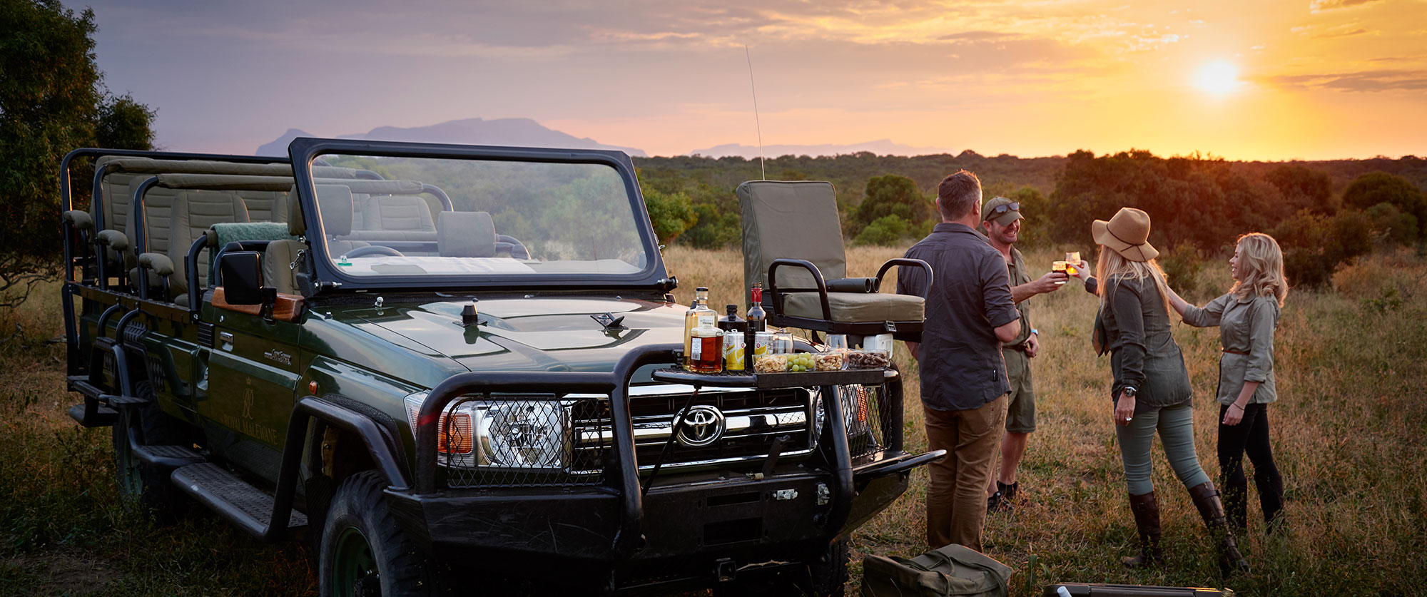 Luxury South Africa Travel Packages - Royal Malewane safari lodge, Thornybush Private Game Reserve - Sundowners on game drive