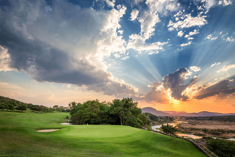 13th Hole at Leopard Creek South Africa - South Africa Golf Vacations - Kruger National Park