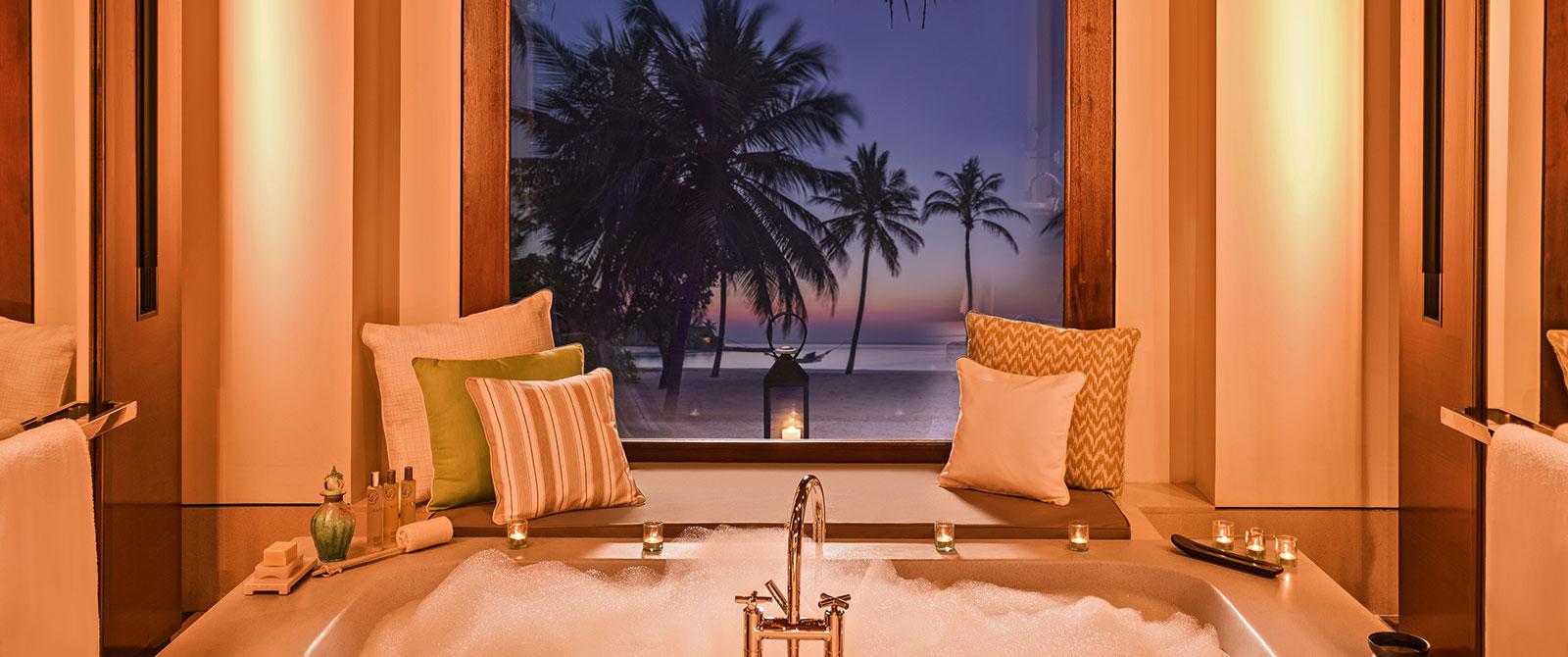 One&Only Reethi Rah Resort Maldives - Beach Villa Bath