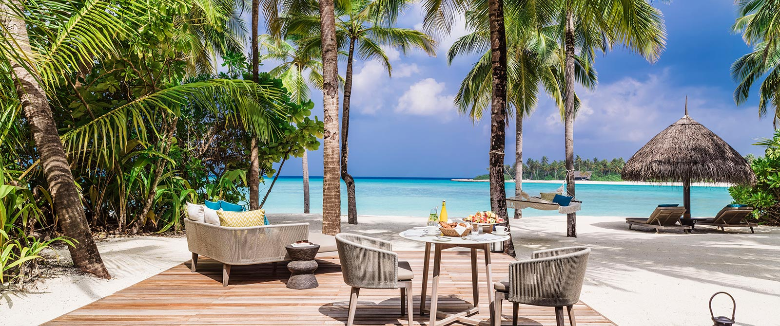 One&Only Reethi Rah Resort Maldives - Beach Villa Outdoor Living Spaces
