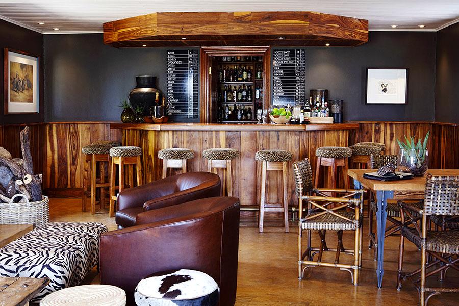 MalaMala Sable Camp - Bar in Main Lodge