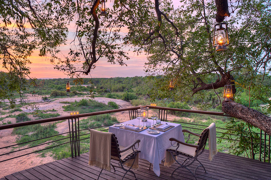 Private dining with a view at Dulini Leadwood Lodge