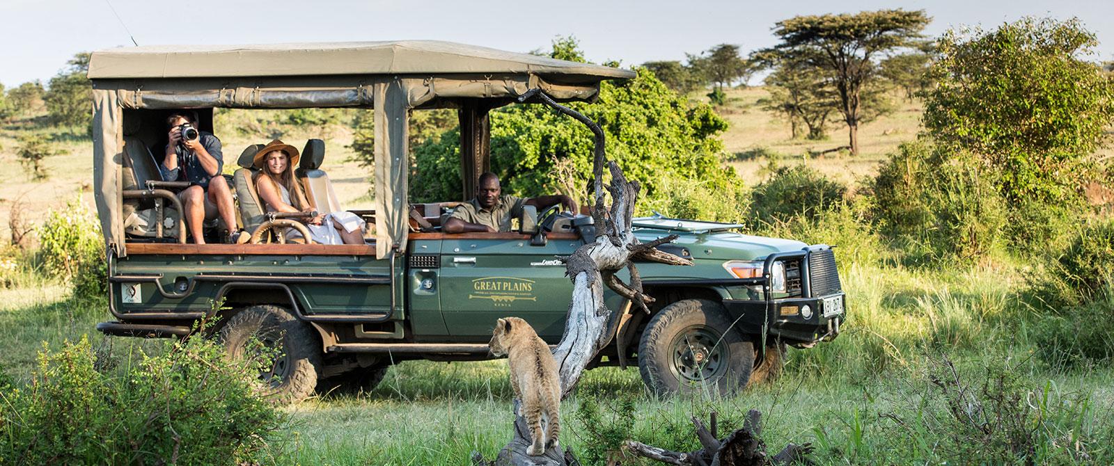 Great Plains Conservation - Mara Plains Couple on Safari